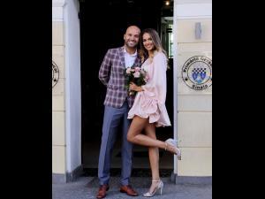 FOTO: Andrei Ștefănescu a făcut publice pozele de la nunta secretă din Sinaia