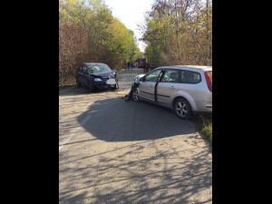 FOTO Accident pe DN 72, în zona Crângul lui Bot. Traficul este blocat