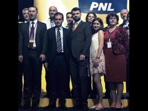 Iulian Dumitrescu a fost ales prim-vicepreşedinte PNL