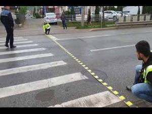 Accident în Ploiești/O femeie a fost lovită de mașină în timp ce traversa regulamentar