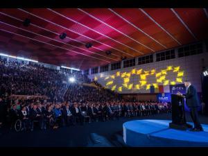 """Comunicat de presa PNL: Klaus Iohannis îi cheamă pe români la vot. """"PSD a schimbat de multe ori fețele, dar niciodată nu și-a schimbat năravul"""""""