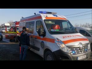 VIDEO Accident pe DN 72, între un microbuz și o cisternă