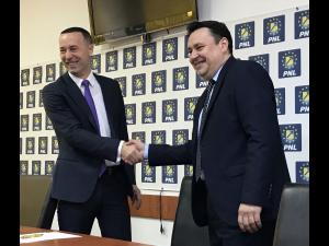 Andrei Volosevici, candidatul PNL la Primaria Ploiesti. Anuntul oficial a fost facut de Iulian Dumitrescu, presedinte PNL Prahova