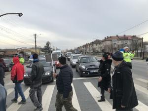 FOTO/VIDEO: Un nou protest impotriva separatoarelor de sens de pe DN1 a avut loc astazi. Vezi aici ce solutii au gasit autoritatile!
