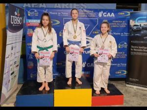 "Judoka Vanesa Tolea, locul I la Turneul Internaţional ""Cupa Transilvania""!"