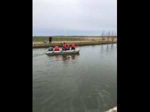 Au fost reluate căutările bărbatului care s-ar fi înecat/Intervin scafandrii