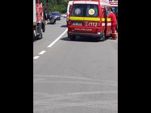 FOTO Accident grav în afara localității Păulești/Un motociclist este inconștient