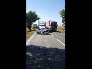 FOTO Un prahovean, implicat într-un accident în Buzău