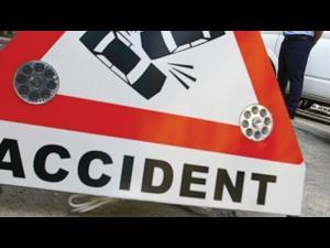 Ambulanță privată, implicată într-un accident la Blejoi