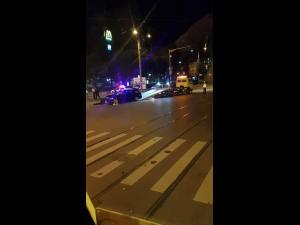FOTO Accident, noaptea trecută, în intersecția de la Nord, în Ploiești