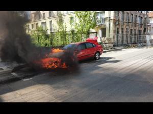 Incendiu la o mașină, în Câmpina