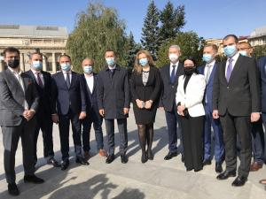 VIDEO: PNL Prahova a depus astazi dosarele de candidatura pentru alegerile parlamentare