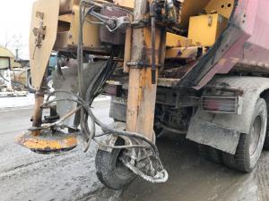 În Ploiești s-a intervenit noaptea trecută preventiv cu material antiderapant pentru combaterea poleiului, la nivelul drumurilor din oraş