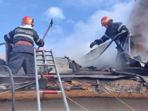 Incendiu la o casa din localitatea Batrani
