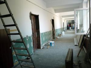 Încep lucrările de reparații în școlile din Ploiești