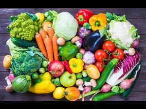 Peste 250 kg de legume confiscate de la comercianții din Ploiești