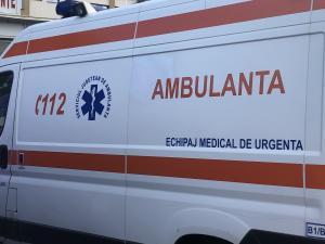 Două persoane, transportate la spital după ce au fost înjunghiate în Ploiești