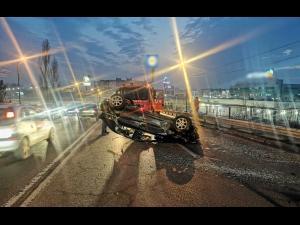 VIDEO: Masina rasturnata la iesirea din Ploiesti spre Bucov