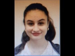 O adolescenta din Ploiesti a plecat ieri de acasa in pijama si nu s-a mai intors. Acum este cautata si de politie!