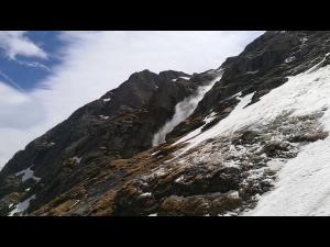 VIDEO O avalanșă s-a produs pe Valea Albă/Momentul, surprins de turiști