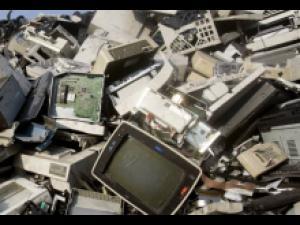 Premii pentru cei care predau spre reciclare deșeurile de echipamente electrice, electronice şi electrocasnice