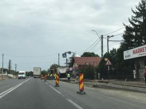 FOTO Lucrări pentru amenajarea sensului giratoriu de pe DN 1B, Valea Călugărească