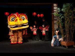 """Teatrul """"Toma Caragiu"""" va invita la evenimente dedicate copiilor, in luna decembrie"""
