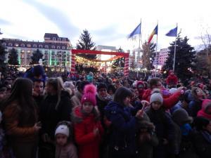 S-a aprins iluminatul festiv de sarbatori in Ploiesti - GALERIE FOTO/VIDEO