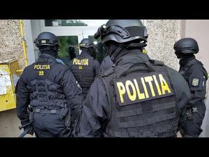 Poliţiştii prahoveni au efectuat, de dimineață, peste 50 de percheziţii la persoane bănuite  de comiterea unor infracțiuni economice, în mai multe județe