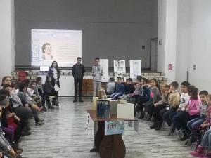 """""""Cartea si Cultura in comunitatea Locala"""", proiect derulat la Băicoi, de ziua lui Eminescu - FOTO"""