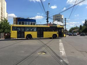 Mijloacele de transport in comun din Ploiesti circula pe 24 ianuarie dupa program de duminica
