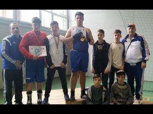 Boxerii de la CSM Ploieşti, trei medalii la Cupa României de Cadeţi!