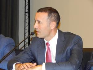 Senatorul PNL, Iulian Dumitrescu, a votat împotriva susținerii deciziei președintelui PNL, Ludovic Orban, de a depune plângere penală pe numele Vioricăi Dăncilă