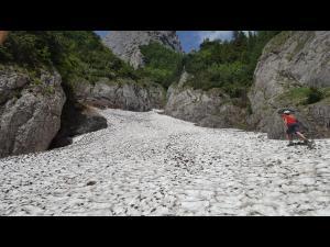 Cautarile alpinistul surprins de avalansa in Bucegi, in ianuarie, nu pot fi reluate