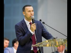 Iulian Dumitrescu, senator PNL, cere dreptate pentru primari!