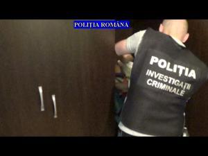 Video - Perchezitii la persoane banuite de furturi din societati comerciale