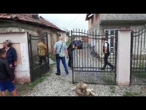 FOTO/VIDEO Caz socant in Prahova. Un barbat si-a omorat sotia si apoi a incercat sa se sinucida