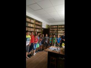 Copiii din Filipeștii de Pădure își pot petrece vacanța la bibliotecă, într-un mod educativ și distractiv