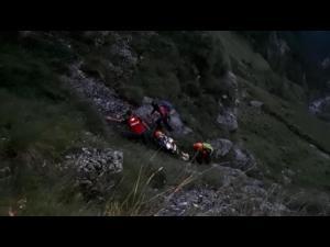 VIDEO-  Noapte alba pentru salvamontistii din Busteni. Acestia au intervenit pentru salvarea unui turist de 30 de ani