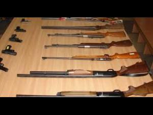 Controale la deținătorii de arme din Florești, Păulești și Ploiești. Ce nereguli au gasit politistii