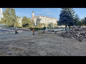 Lucrări de modernizare a zonei pietonale din centrul Ploiestiului