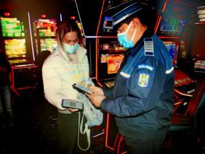 POLIȚIȘTII PRAHOVENI CONTINUĂ ACȚIUNILE DE INFORMARE A CETĂȚENILOR